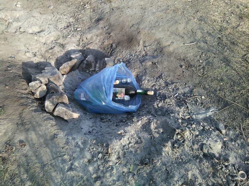 Криворожане отдохнули на чистой Соколовке, оставив после себя горы мусора (ФОТО), фото-1