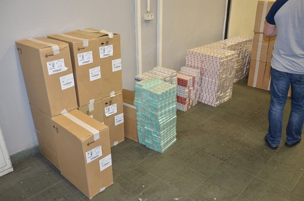 Возле КПП «Берестовица-Бобровники» задержали контрабандные сигареты на 150 тыс долларов (фото) - фото 1