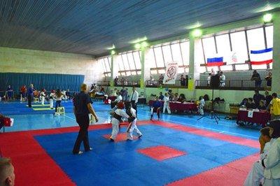 Ялтинцы завоевали 3 «золота» на открытом первенстве по по киокушин каратэ в Симферополе (фото) - фото 2