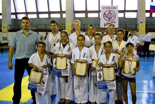 Ялтинцы завоевали 3 «золота» на открытом первенстве по по киокушин каратэ в Симферополе (фото) - фото 1