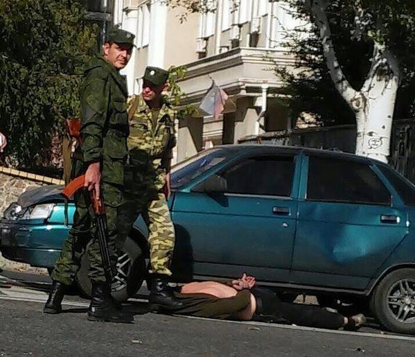 В центре Донецка боевики устроили разборки после ДТП (ФОТО) (фото) - фото 1
