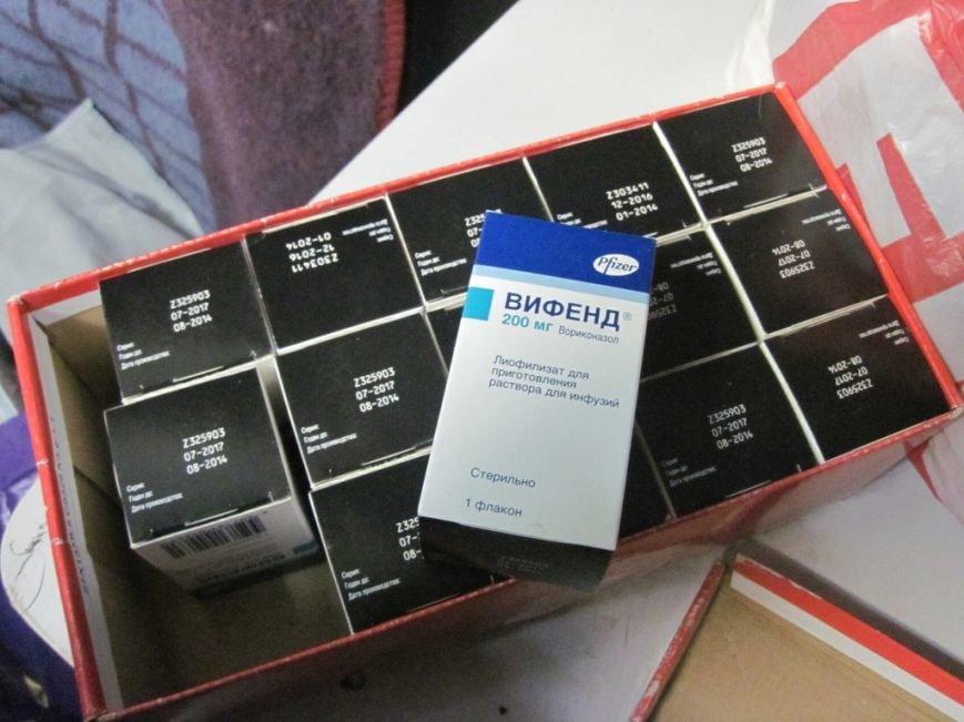 Сумские таможенники обнаружили в поезде «Москва-Киев» запчасти и медицинские препараты, фото-4