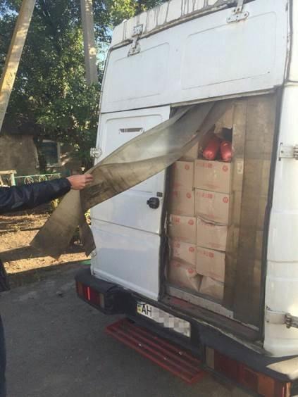 До «ДНР» не доехали три тонны колбасы (ФОТО) (фото) - фото 1