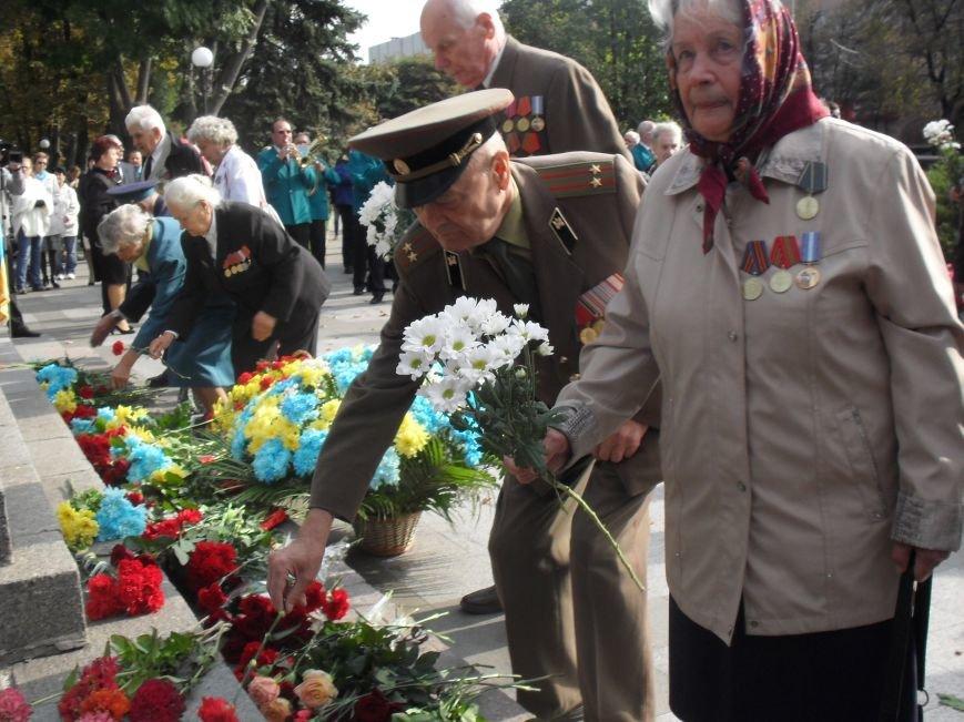 В Кременчуге поблагодарили за освобождение города в 43-ем живых и погибших воинов (ФОТО) (фото) - фото 1