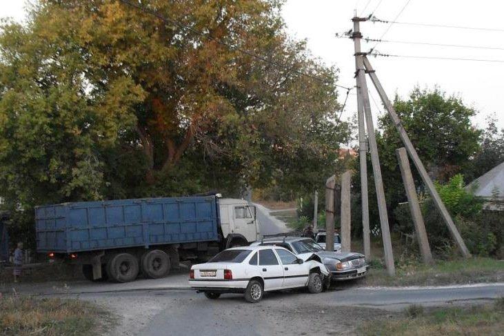 В Белгородской области погиб водитель «Мазды», вылетевшей в кювет (фото) - фото 1
