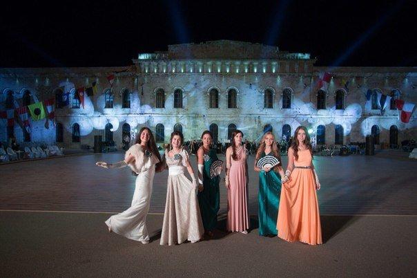 В Севастополе прошел Большой офицерский бал: на плацу Михайловской батареи кружились в танце более 80 пар (ФОТО, ВИДЕО) (фото) - фото 7