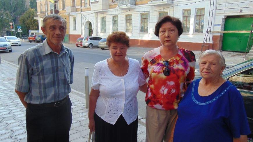 Мариупольцы пожаловались мэру на действия добровольцев «Правого сектора», «Днепра-1» и получили отпор (ФОТО) (фото) - фото 1