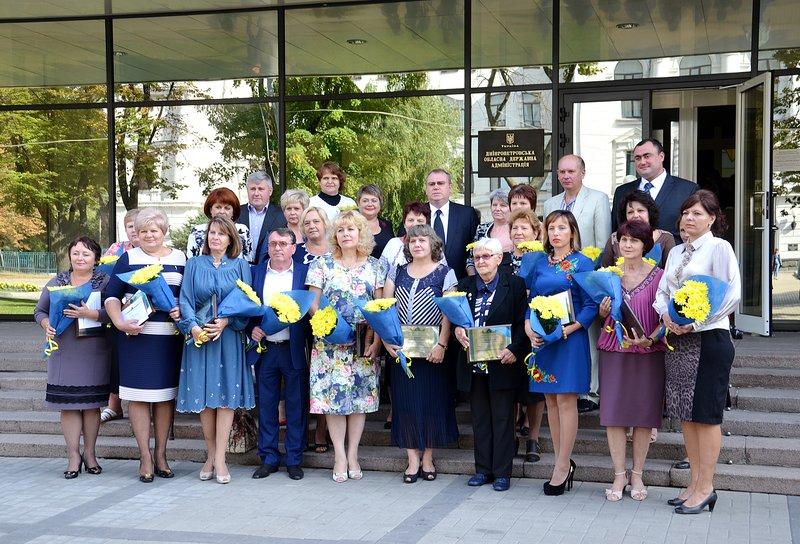 Лучшие учителя Днепропетровщины получили областные премии (фото) - фото 3