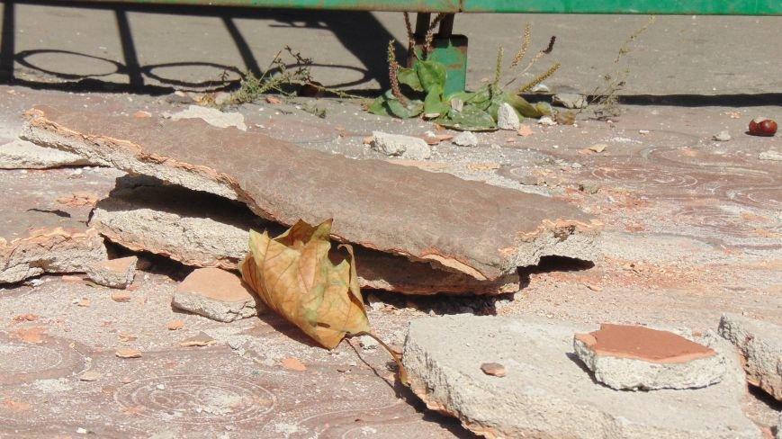 На мариупольцев падают элементы зданий (ФОТОФАКТ) (фото) - фото 1