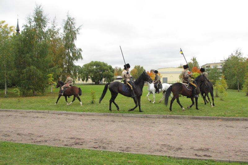 На Софийской площади в городе Пушкине открыли памятник правнуку Николая I, фото-5