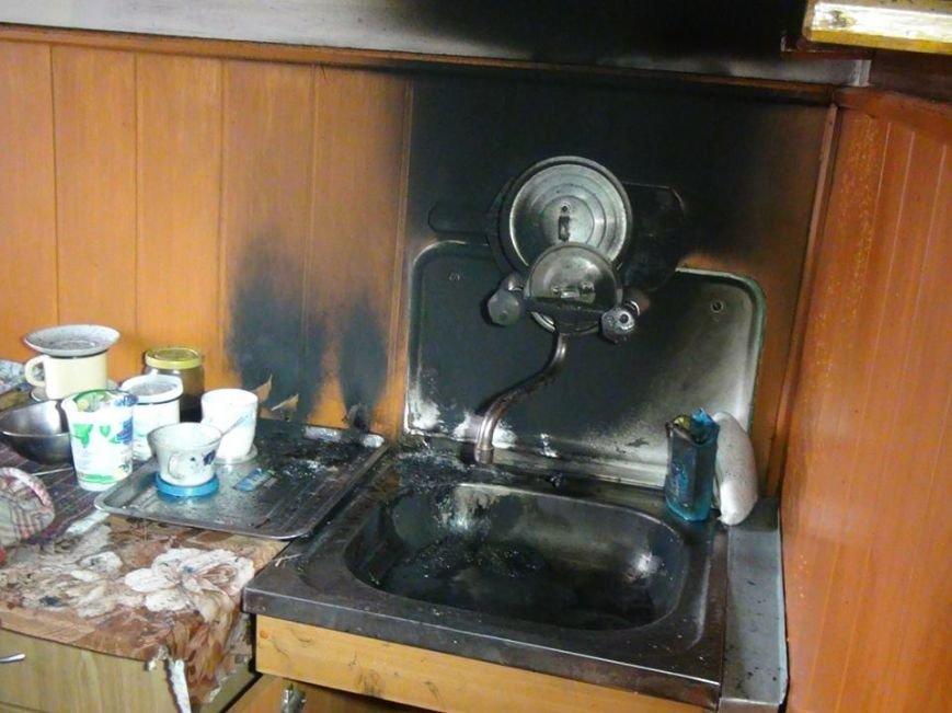 Пенсіонерка ледь не згоріла у власній оселі (ФОТО) (фото) - фото 1