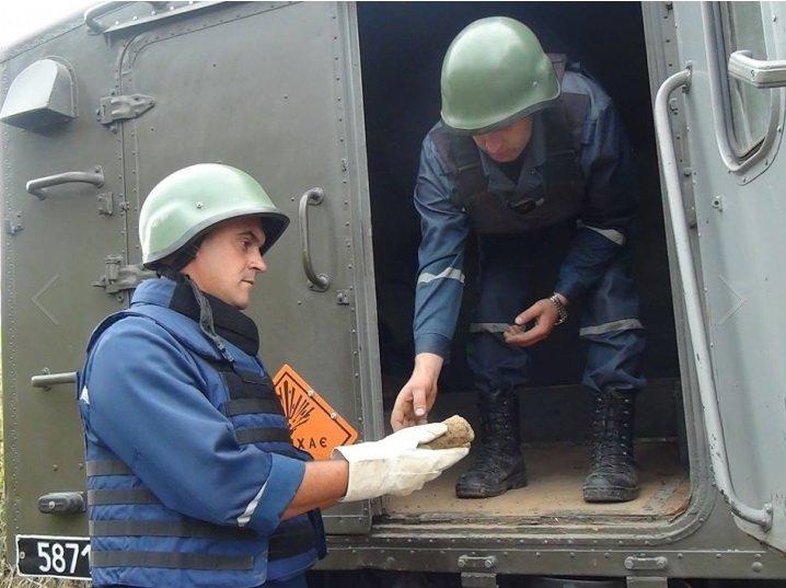 Під Франківськом підірвали майже 100 вибухівок. Фото (фото) - фото 1