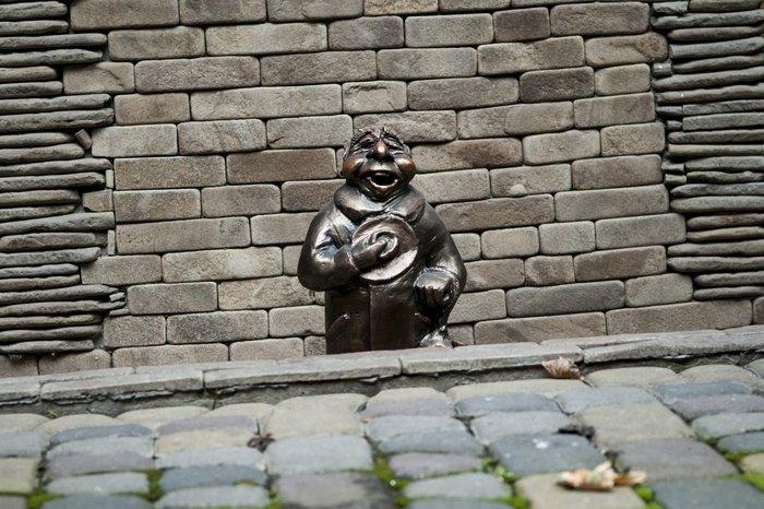 У місті з'явилась перша скульптура історичного жителя Чернівців (ФОТО), фото-1