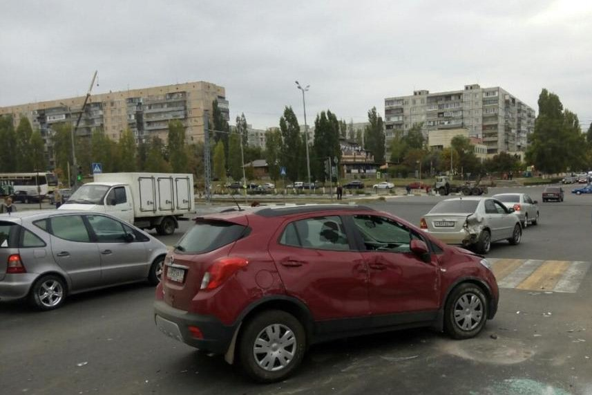 В Белгородской области после столкновения загорелись два автомобиля (фото) - фото 1