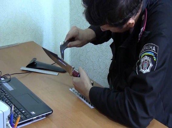 В Киеве рецидивист с ножом напал на почтовое отделение (ФОТО, ВИДЕО) (фото) - фото 3