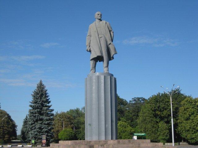 Куди зникають пам'ятники Леніну і що з'являється на їх місці, фото-12