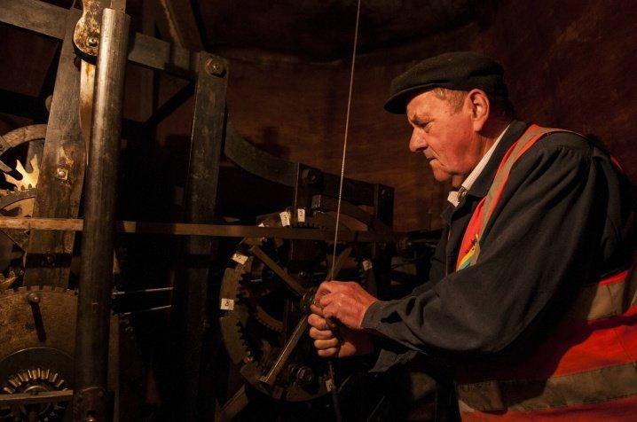 Зламався 70-річний механізм годинника на Чернівецькій Ратуші (ФОТО), фото-6