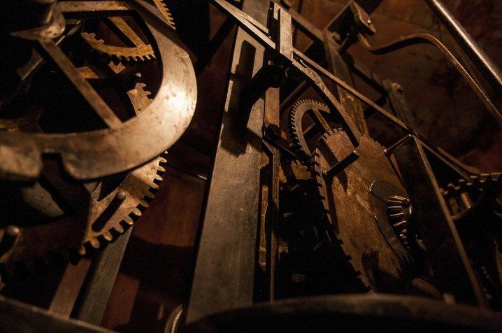 Зламався 70-річний механізм годинника на Чернівецькій Ратуші (ФОТО), фото-5