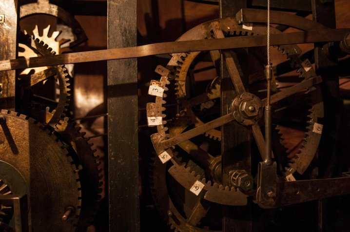 Зламався 70-річний механізм годинника на Чернівецькій Ратуші (ФОТО), фото-4