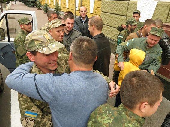 Як у Франківську правоохоронців із зони АТО зустрічали (ФОТО) (фото) - фото 1