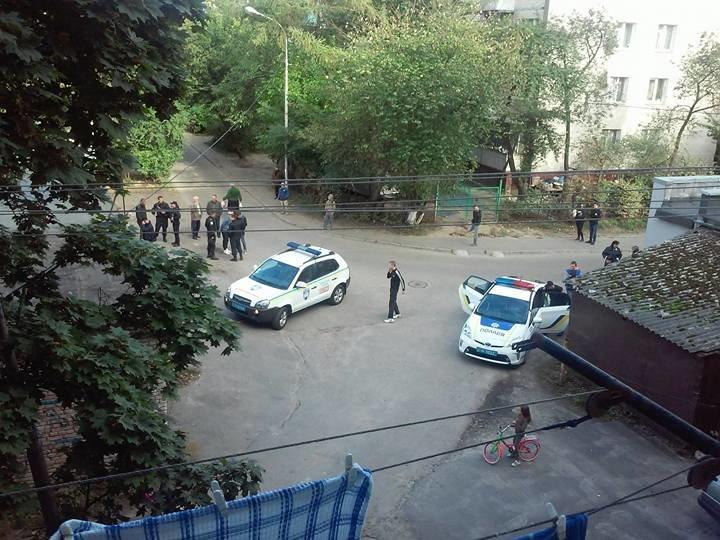 У Львові зловмисники хотіли пограбувати пункт прийому мокулатури (фото) - фото 2