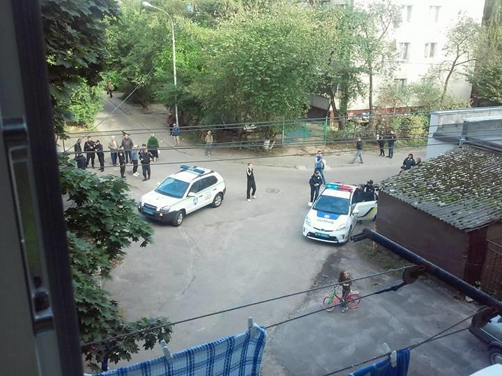У Львові зловмисники хотіли пограбувати пункт прийому мокулатури (фото) - фото 1