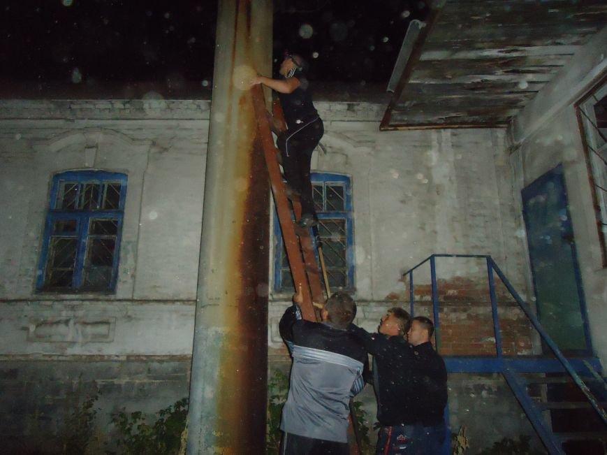 Патриоты продолжают украшать флагами радиовышки района (фото) - фото 3
