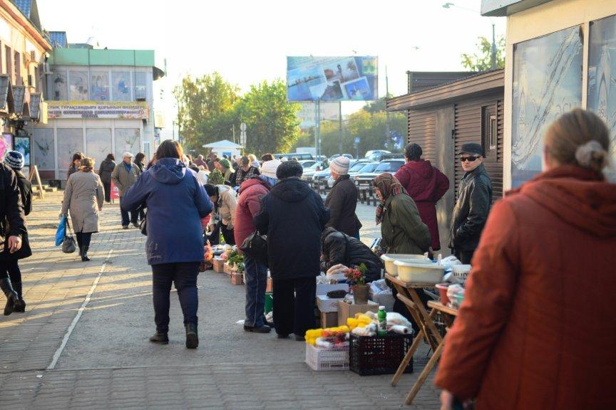 Стихийная торговля в Усть-Каменогорске