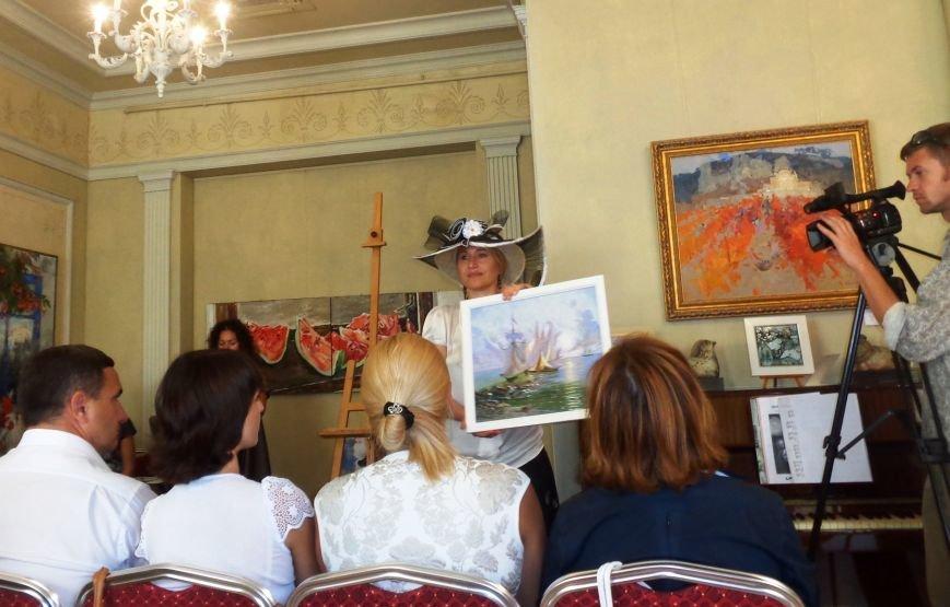 В рамках Республиканского дня благотворительности и милосердия в ялтинской галерее «Почерк» состоялся благотворительный аукцион (фото) - фото 1