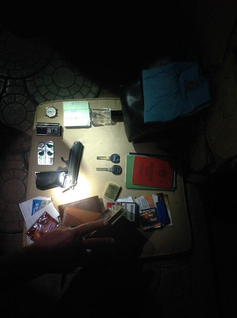 Одесские полисмены в баре заломили вооруженного начальника службы охраны супермаркета (ФОТО) (фото) - фото 1