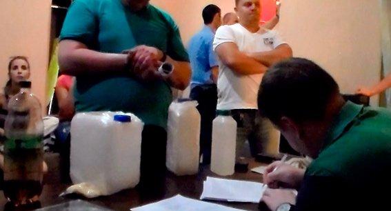 В Николаеве «взяли» сбытчика амфетамина (ФОТО+ВИДЕО) (фото) - фото 7