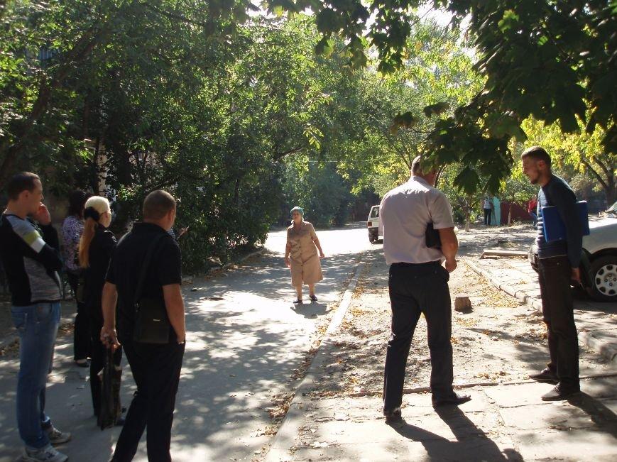 Мариупольцы грозились перекрыть движение транспорта на улице Блажевича (ФОТО) (фото) - фото 2
