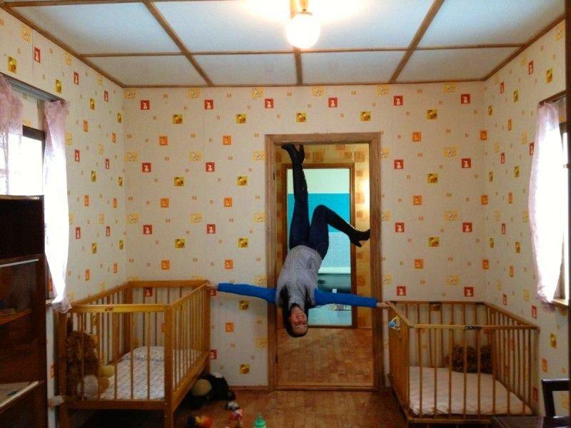 Життя догори ногами: перевернуті будинки в Україні (ФОТО), фото-1