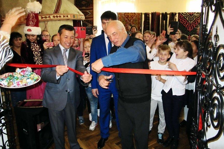 В Усть-Каменогорске открылась выставка «Туркестан – столица Казахского ханства»