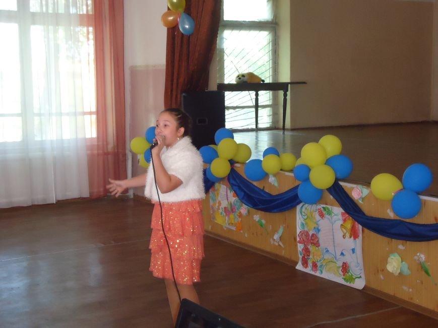 В Димитрове преподавателей поздравили с профессиональным праздником (фото) - фото 2