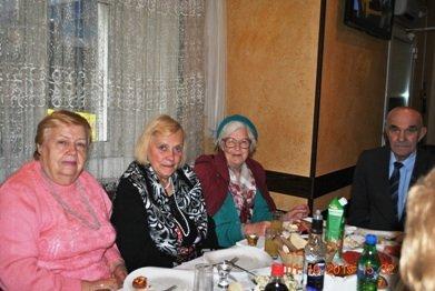 Депутаты города Люберцы поздравили пожилых людей (фото) - фото 1