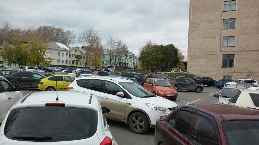 Полевские водители паркуются как хотят (фото) - фото 2