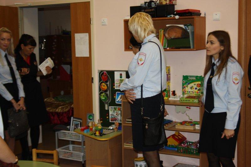 Как избежать увеличения детского травматизма на дорогах в Пушкине обсудили сотрудники ОГИБДД (фото) - фото 2