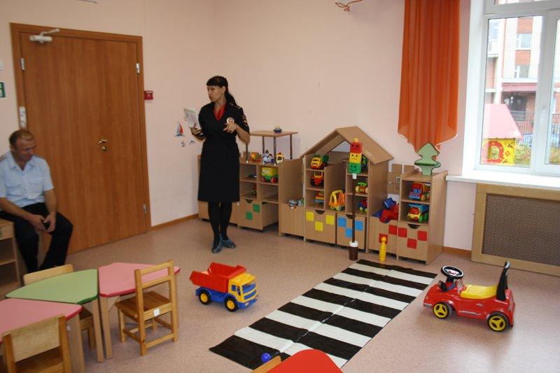 Как избежать увеличения детского травматизма на дорогах в Пушкине обсудили сотрудники ОГИБДД (фото) - фото 4