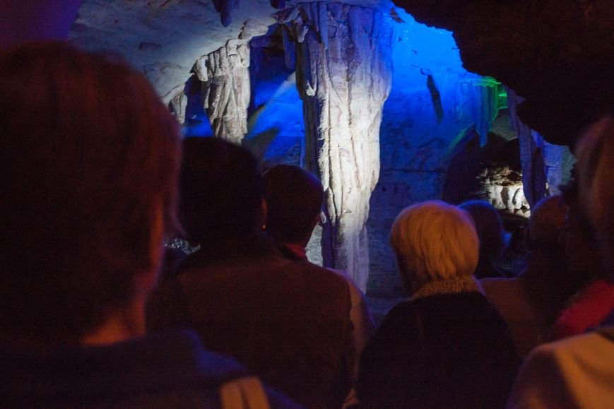 Одесским пенсионерам показали пещеру в центре города (ФОТО) (фото) - фото 1