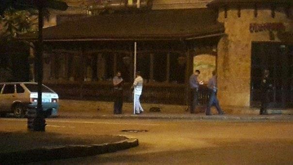 В центре Одессы мужчину приковали к столбу (ФОТО) (фото) - фото 1