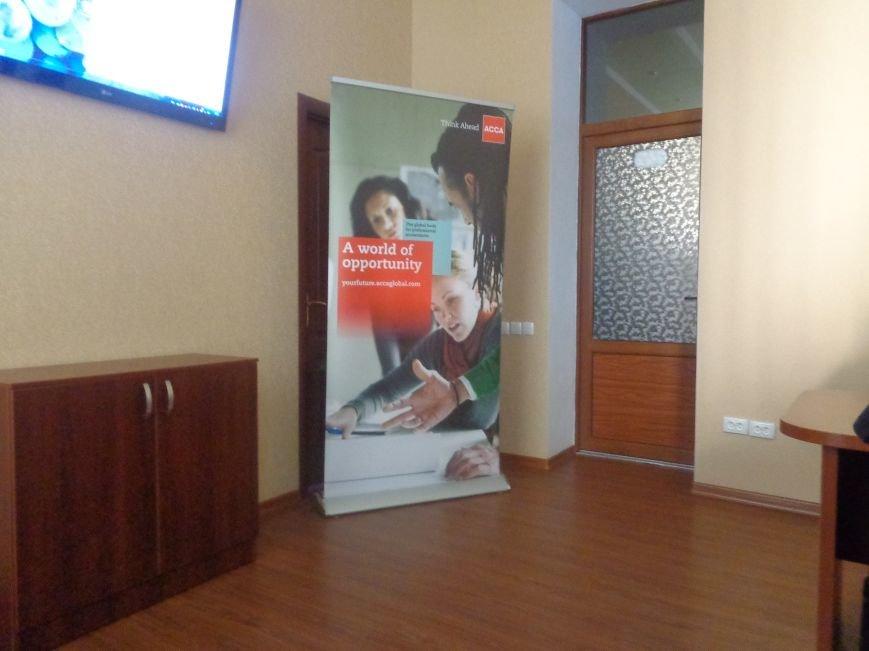 «Есть тысячи «нет» для каждого «да»» - в ДонНТУ Красноармейска прошел круглый стол, посвященный корпоративной культуре (фото) - фото 1