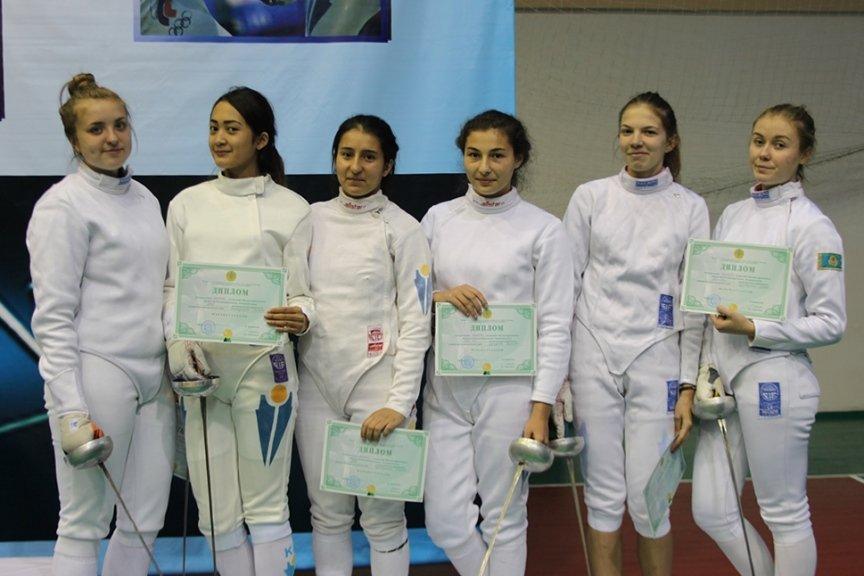 Фехтовальщики Усть-Каменогорска выиграли домашний Чемпионат Казахстана, фото-3