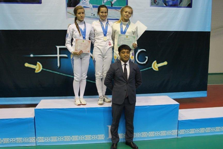 Фехтовальщики Усть-Каменогорска выиграли домашний Чемпионат Казахстана, фото-2
