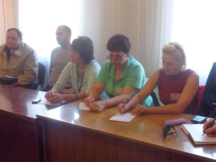 «Мы здесь работаем на город, а не на какую-то политическую партию» - регистрация кандидатов в Димитрове не обошлась без разногласий (фото) - фото 4