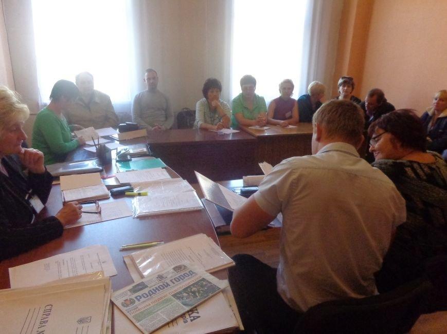 «Мы здесь работаем на город, а не на какую-то политическую партию» - регистрация кандидатов в Димитрове не обошлась без разногласий (фото) - фото 5