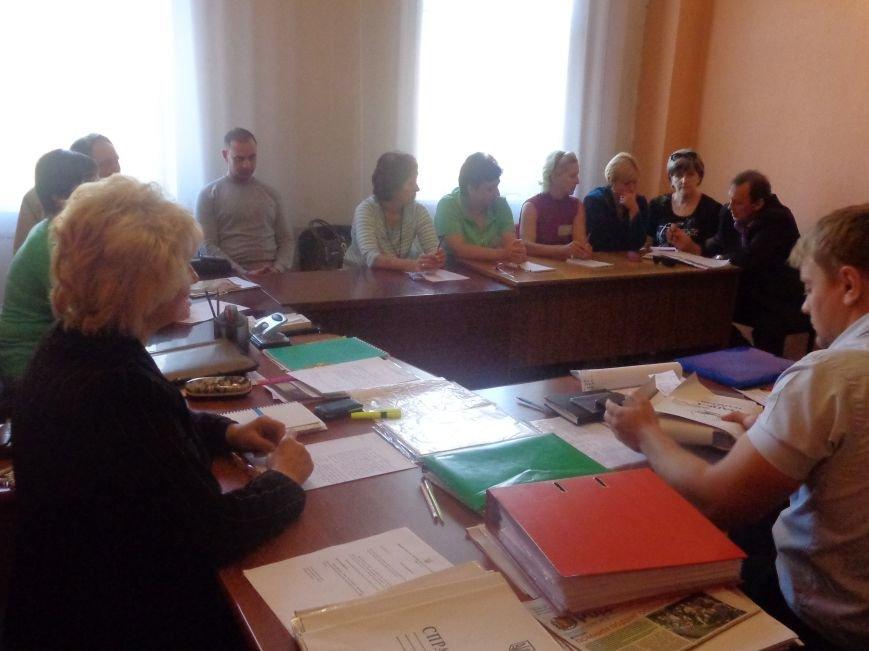 «Мы здесь работаем на город, а не на какую-то политическую партию» - регистрация кандидатов в Димитрове не обошлась без разногласий (фото) - фото 3