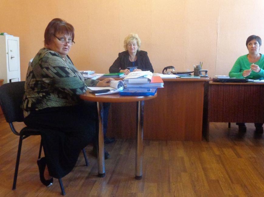 «Мы здесь работаем на город, а не на какую-то политическую партию» - регистрация кандидатов в Димитрове не обошлась без разногласий (фото) - фото 1