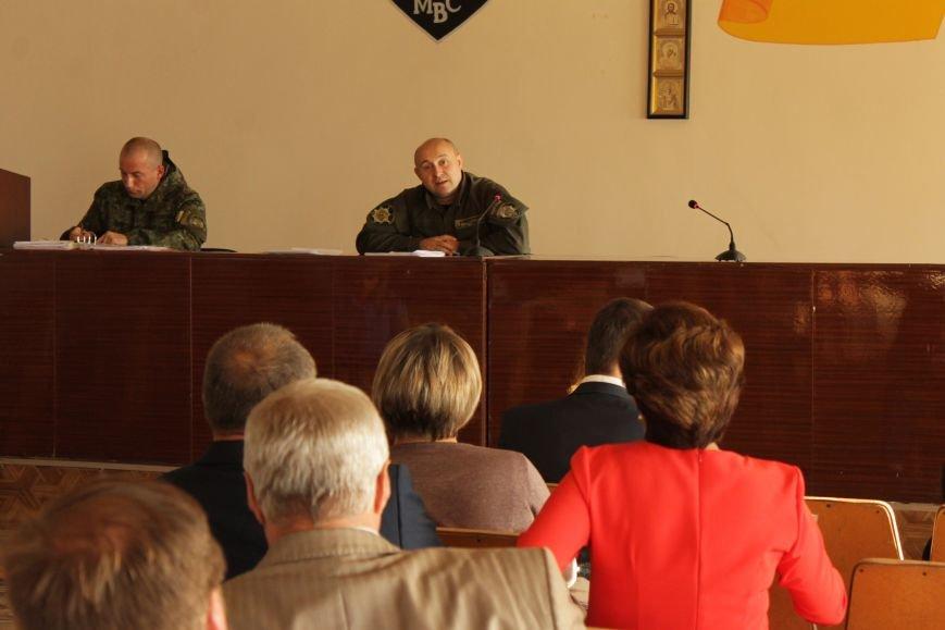 Начальник горотдела Доброполья порекомендовал не впутывать милицию в политику (ФОТО), фото-2
