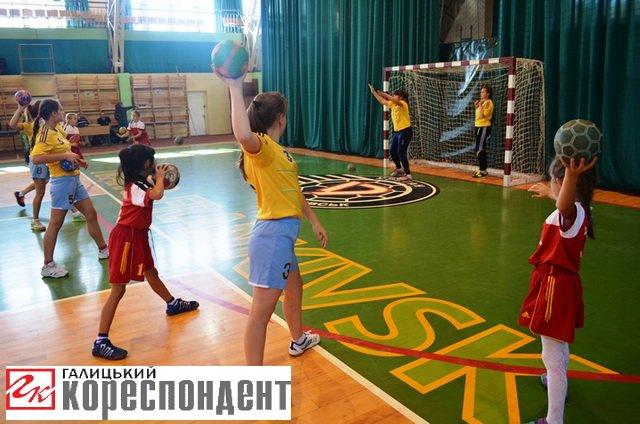 """Єдиноборства, ігрові види і """"Vertical limit"""": в Івано-Франківську відбувся """"Ярмарок спорту"""", фото-16"""